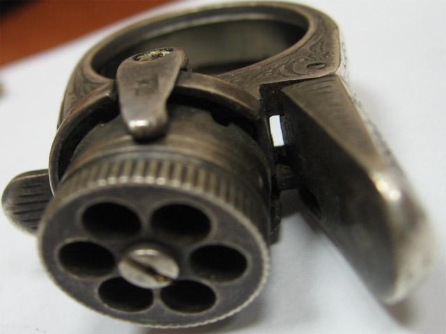 перстень-револьвер шестиствольный