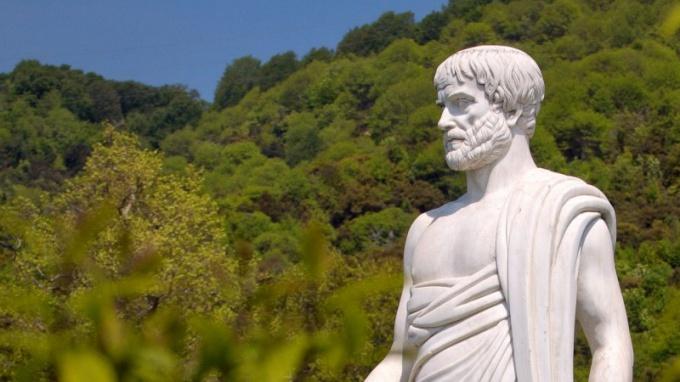 Статуя Аристотеля