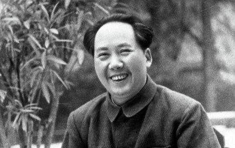 Улыбающийся Мао Цзедун