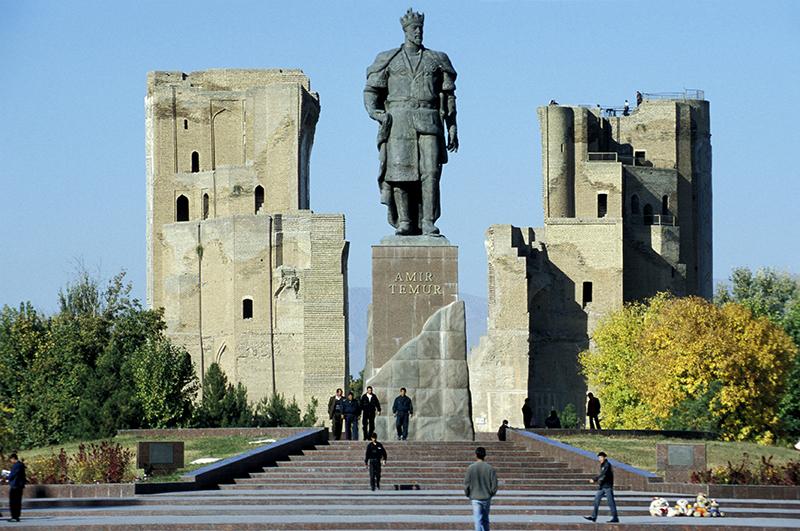 Памятник Тимуру Тамерлану