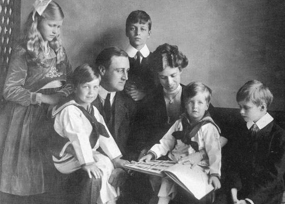 Франклин Рузвельт с семьй