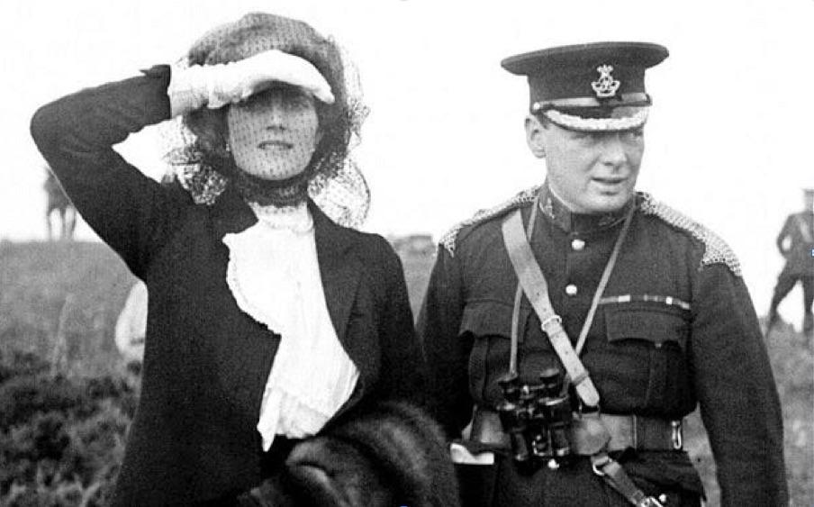 Черчилль с женой