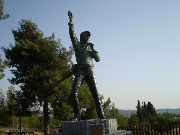 Памятник Элвису Пресли